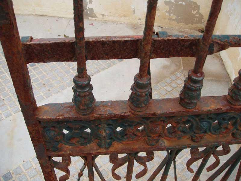pintar rejas oxidadas